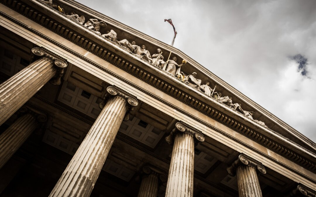 Hiring for lawyers highest since pre-pandemic, Allen & Overy and Linklaters rise